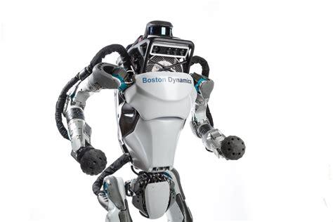 boston dynamics robot od ciamajdy do skaczącego w kilka miesięcy robot boston dynamics robi salto w