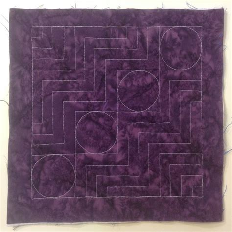 free motion quilting swirls and circles quilt addicts the free motion quilting project 13 quilt a rail fence