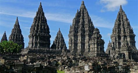 beauty  indonesia top  places  visit  indonesia