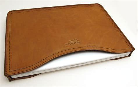 saddleback leather company macbook laptop sleeve review