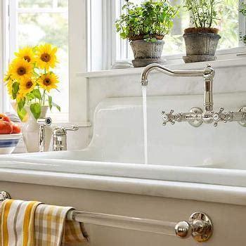 Farm Sink   Cottage   kitchen