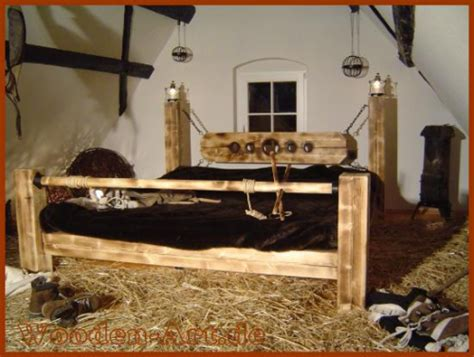 fesselspiele im bett verlies wooden betten f 252 r n 228 chte voller leidenschaft