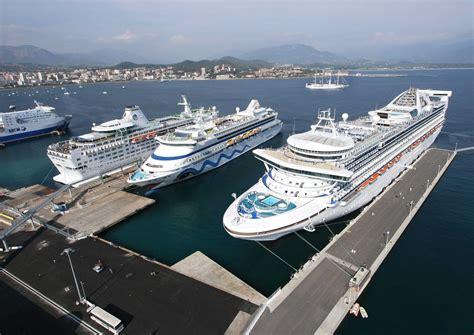 ajaccio port 10 navires dont 5 de croisi 232 re dans le port d ajaccio