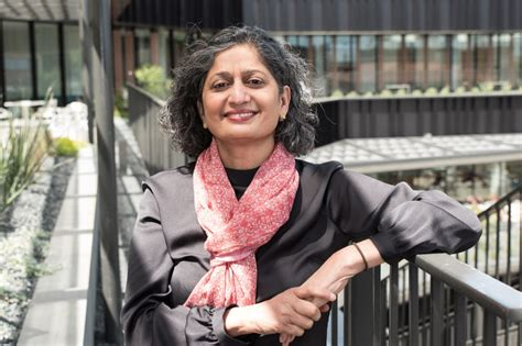 Mccombs Mba Dean by Meet Raji Srinivasan Mccombs Associate Dean Of