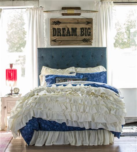 junk gypsy bedroom this bed set has all the junk gypsy style elements junk