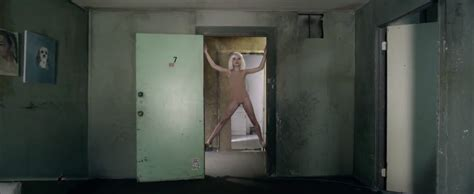 Sia Chandelier 1000 Forms Of Fear Consiliere Chandelier Song Sia