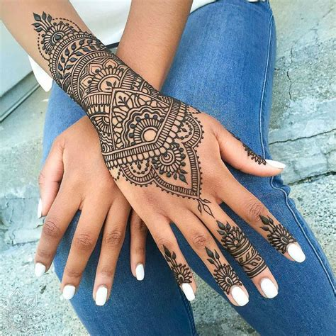 henna lace tattoo best 25 henna tattoos ideas on