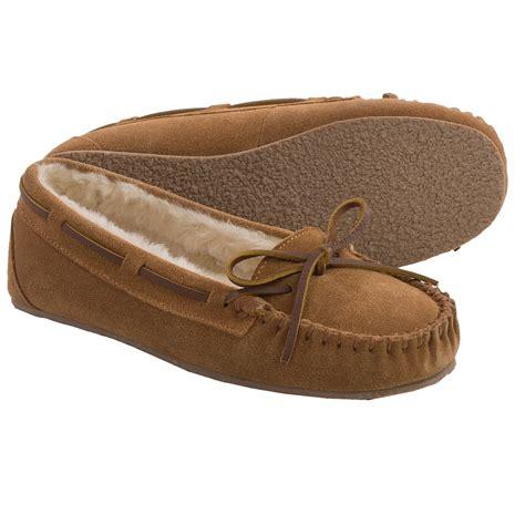 minnetonka house shoes minnetonka allie junior trapper slippers for women 9390u save 37