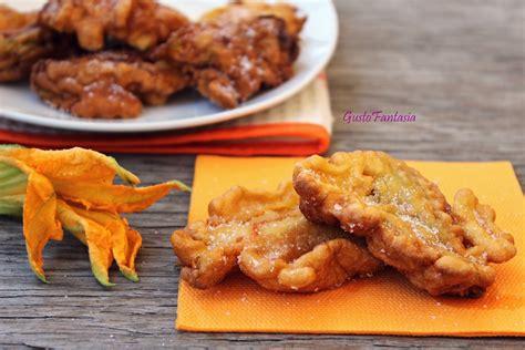 frittelle con fiori di zucca ricetta frittelle di fiori di zucca ricetta dolce senza uova