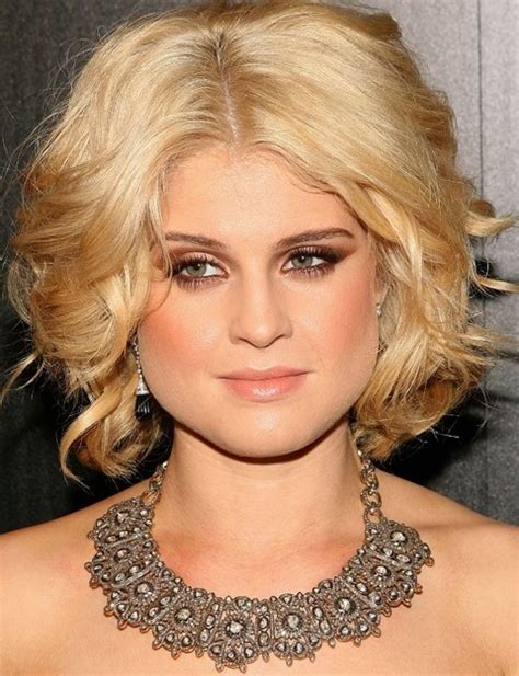 hairstyles for pear shaped face over 45 kelly osbourne hairstyles glamorous center parted wavy