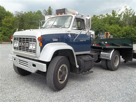 1974 gmc 9500 lowbed 25ton trucks for sale