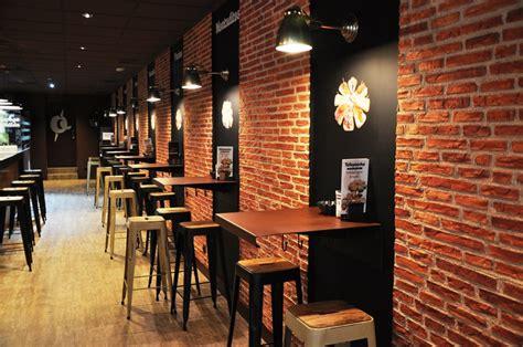 contoh desain interior cafe konsep cafe dan resto modern yang disukai banyak pelanggan