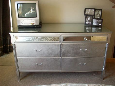 spiegelrahmen streichen glam in a can drab to fab dresser before and after