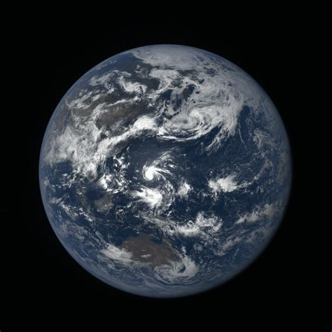 Mongas Earth 1 3 earth seen by dscovr observatory from 1 million away earth