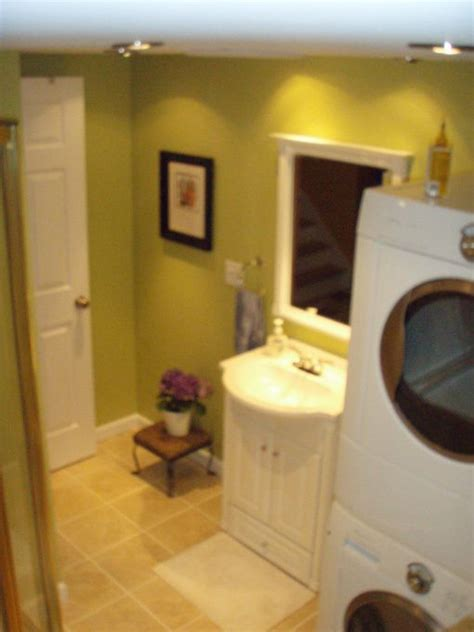Small Bathroom Laundry Room Combo by Best 25 Bath Laundry Combo Ideas On Laundry