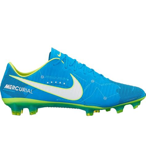 shoes soccer nike soccer cleats nike get right pair of shoes
