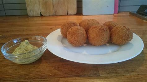 bitterballen maken recepten voor kroketten frikandel