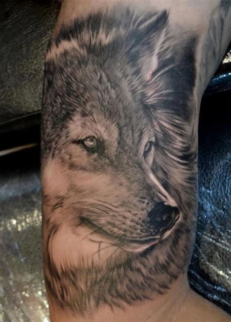 best wolf tattoos 25 amazing wolf tattoos design ideas