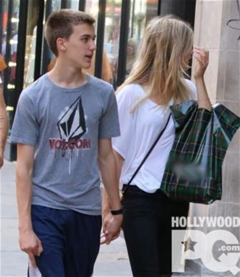 genie bouchard spotted holding hands with hockey player