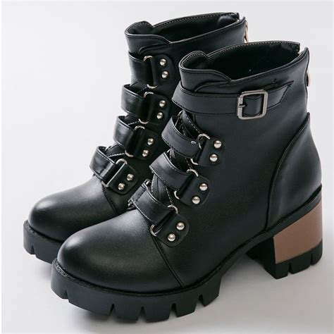 womens brown leather motorcycle boots best 25 s motorcycle boots ideas on