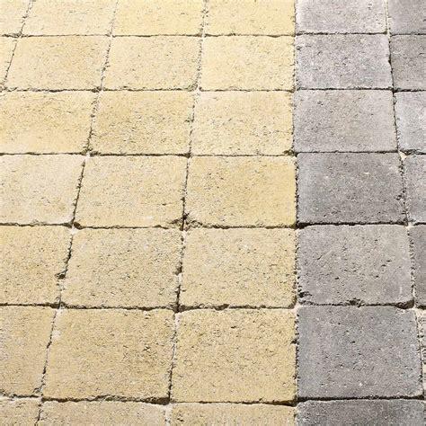 Comment Renover Des Paves Autobloquants pav 233 b 233 ton tarnis jaune ton l 12 5 cm x l 12 5 cm