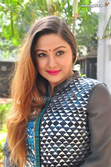actor priyanka upendra priyanka upendra photos tamil actress photos images