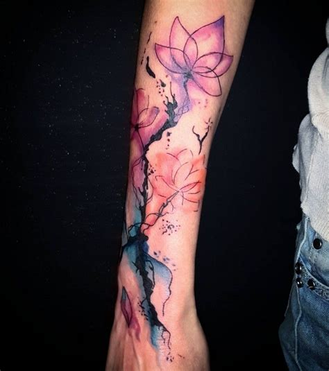 watercolor tattoo leipzig watercolor konturen wasserfarben unterarm