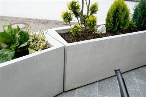 blumenkübel aus beton blumenk 252 bel aus beton 25 spektakul 228 re dekoideen f 252 r die
