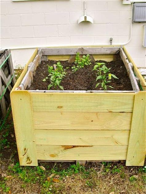 How To Make A Planter Out Of A Tire by Diy Pallet Gardens 20 Creative Ways To Use Pallets
