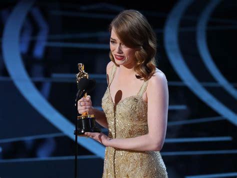 best actress for oscar best actress winner emma stone thanks greatest partner