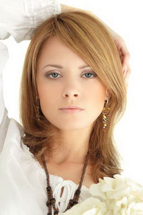 what length of hair still can go into ponytail layered hairstyles for shoulder length hair
