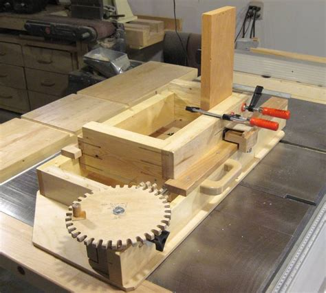 screw advance box joint jig woodworking talk