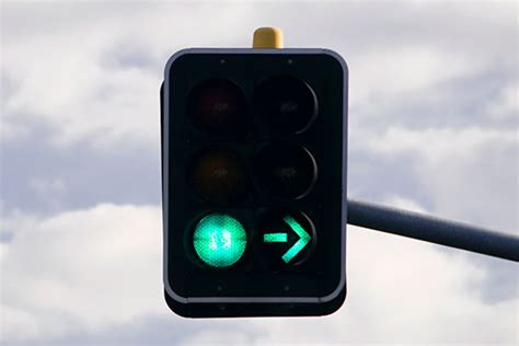What's the road rule when the red arrow disappears?