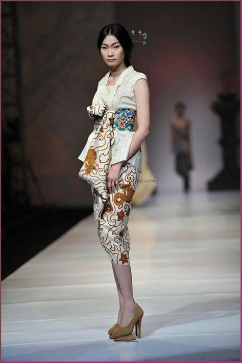 Atasan Batik Kombi model baju batik kombinasi kain polos untuk wanita batik