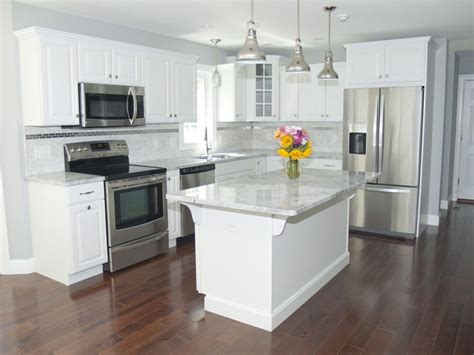 white kitchen cabinets with stainless appliances 25 best ideas about stainless steel island on