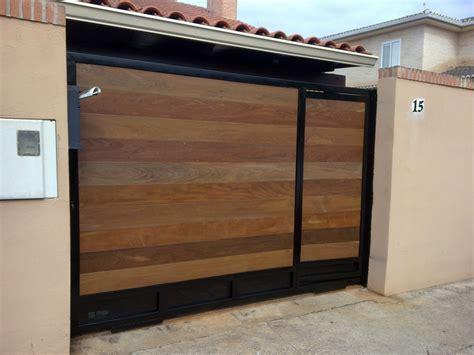 imagenes de zaguanes minimalistas puertas madera zaguanes portones carpinteria fina maderas
