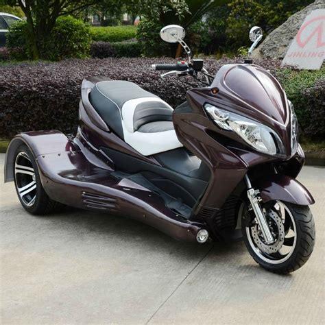sol el kisitliliginda  tekerlekli scooter motorsiklet ve