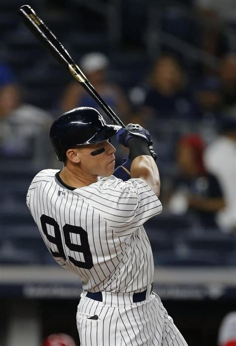 aaron judge the story of the new york yankees home runã hitting phenom books inside story of the yankees aaron judge draft strategy in