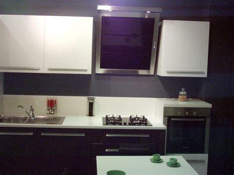 cucina melanzane cucina lucida melanzana bianco cucine a prezzi scontati