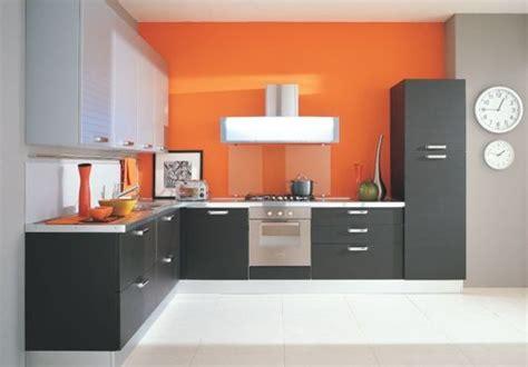 descubre la tendencia de colores  pintar cocinas