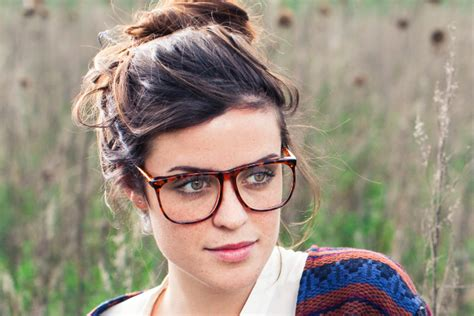 hairstyles for glasses wearers hairstyle tips for eyeglass wearers