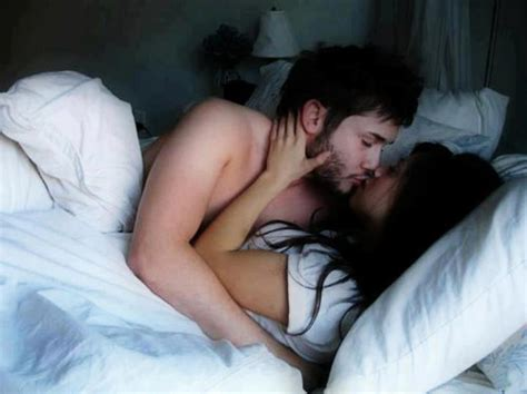 kissing on bed quotes and sayings muah kissing and hugging wallpapers