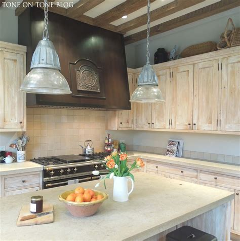 white wash kitchen cabinets 1000 ideas about whitewash kitchen cabinets on pinterest
