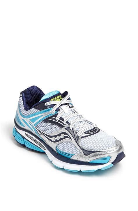 saucony stabil cs3 running shoe in white white blue
