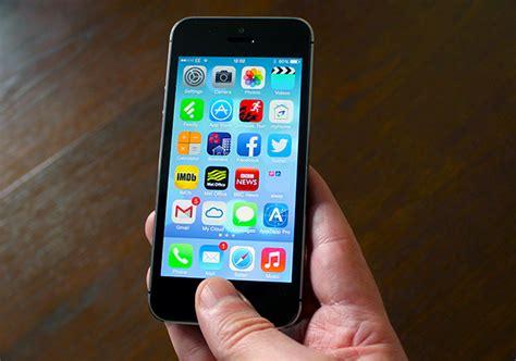 bid iphone apple hints big iphone is underway