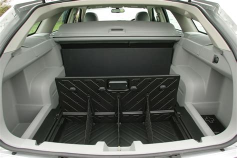 chrysler 300 luggage capacity chrysler 300c touring review 2006 2010 parkers