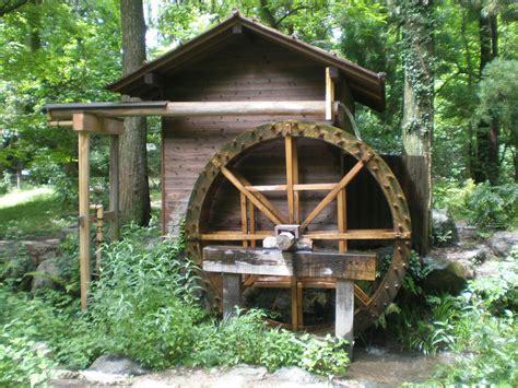 backyard water wheel water wheel mizuguruma kyoto botanical garden water