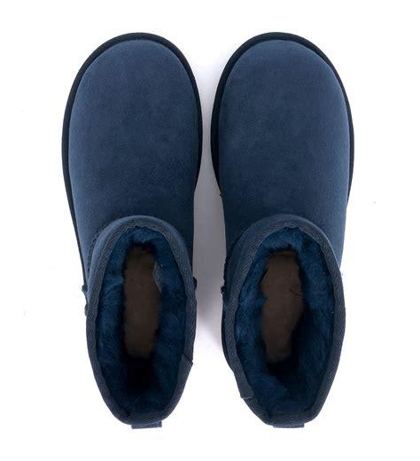 navy blue ugg slippers navy blue ugg slippers 28 images ugg ansley suede