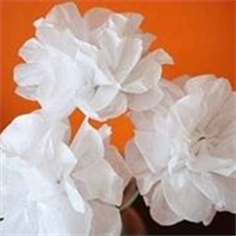 come fare un fiore di carta crespa costruire fiori di carta fiori di carta