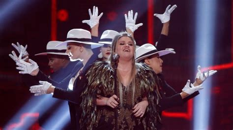 Should Perform At The Vma Awards Again by Clarkson Is Miss Independent Again At American